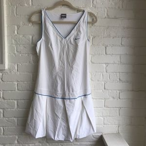 Nike athletic dress Large white